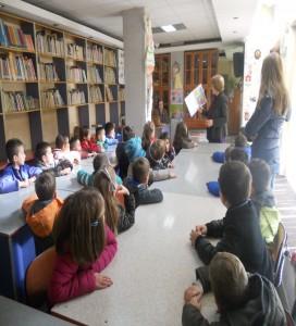Vizita në bibliotekën Përrallat