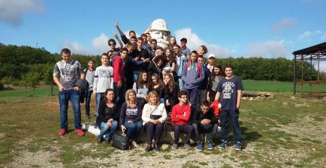 Mësojmë për historinë shqiptare dhe historinë e lavdishme të familjes Jashari